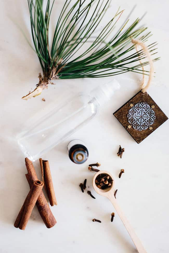 Winter Spice Room Spray | 5 DIY Room Sprays for the Winter Blues