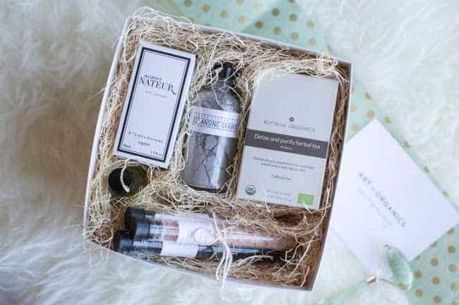 Naturally, We Love: Our Favorite Beauty Gift Boxes