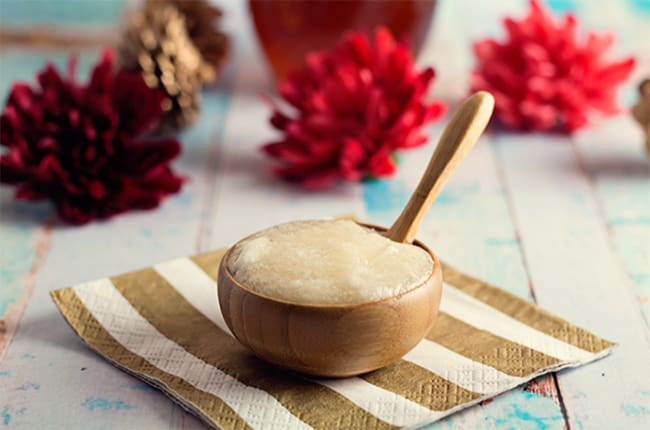 Coconut honey lip scrub | 10 DIY Lip Scrub Recipes