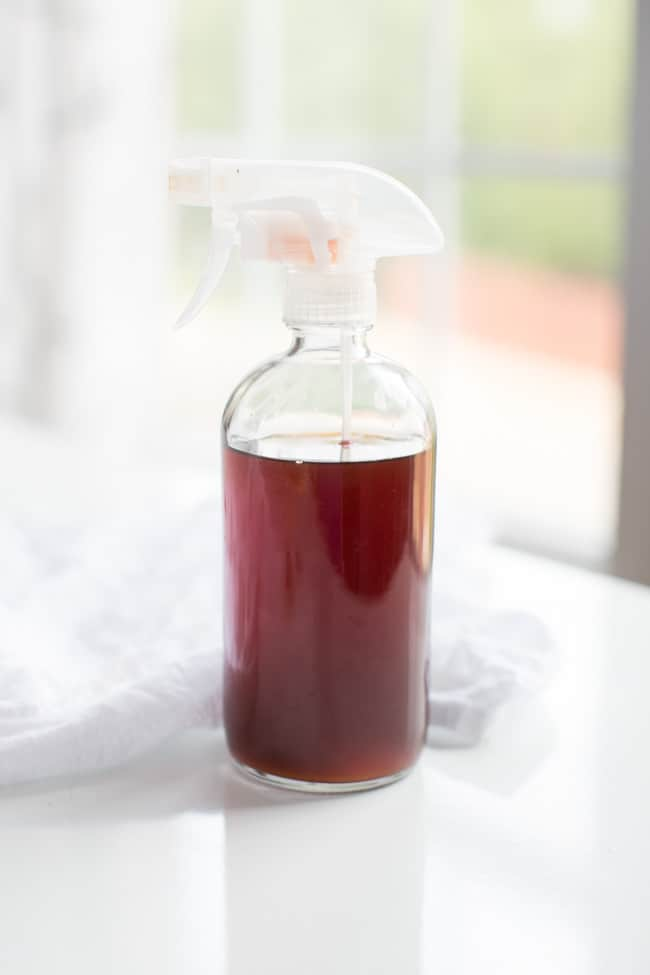 1-Ingredient Homemade Window Cleaner