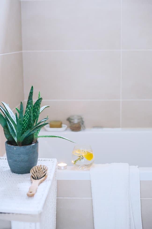 11 Natural Recipes to Help Conquer Insomnia - Lavender + Chamomile Bath