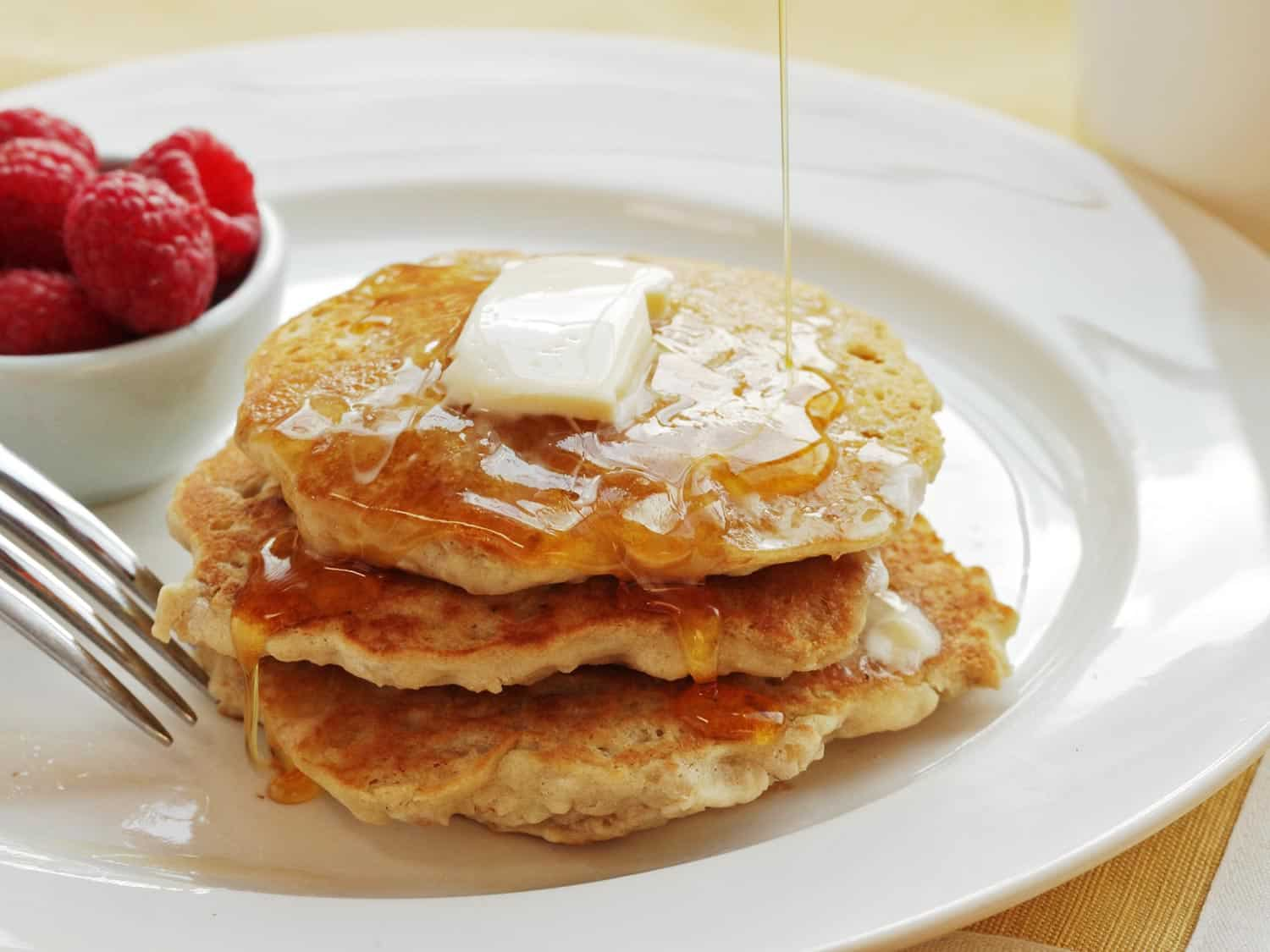Fluffy Vegan Oatmeal Pancakes by Serious Eats | 9 Aquafaba Recipes