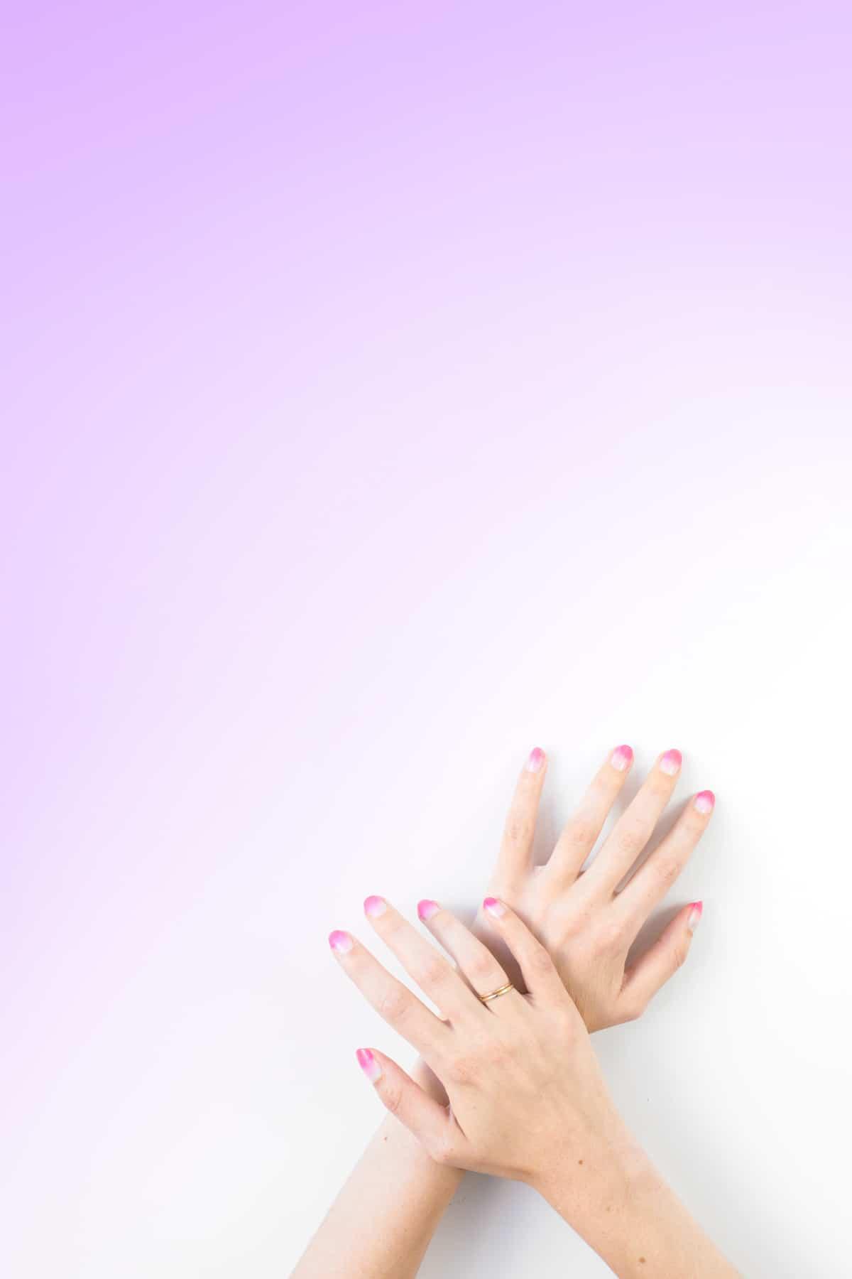 Makeup Sponge Nails by Studio DIY | 6 Easy Nail Ideas