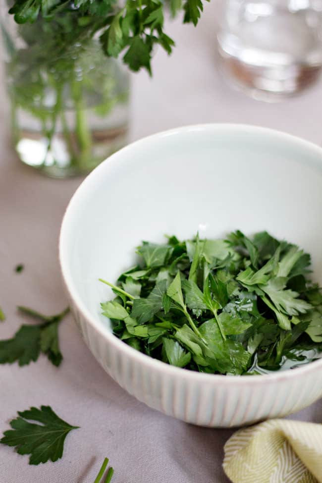 How to make a Parsley Mask for age spots