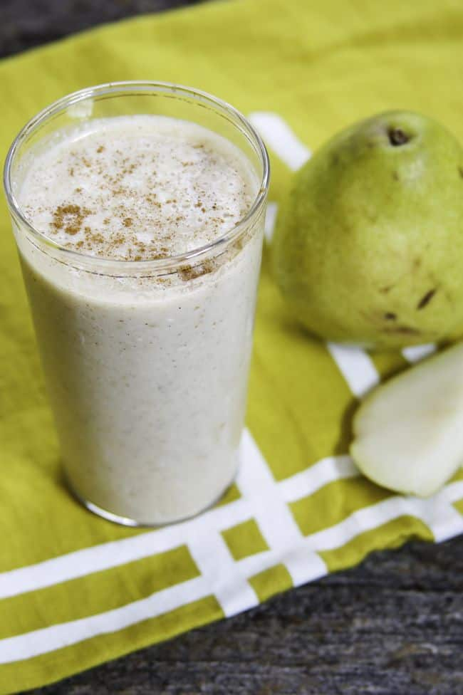 Oatmeal Pear Smoothie by Hello Glow