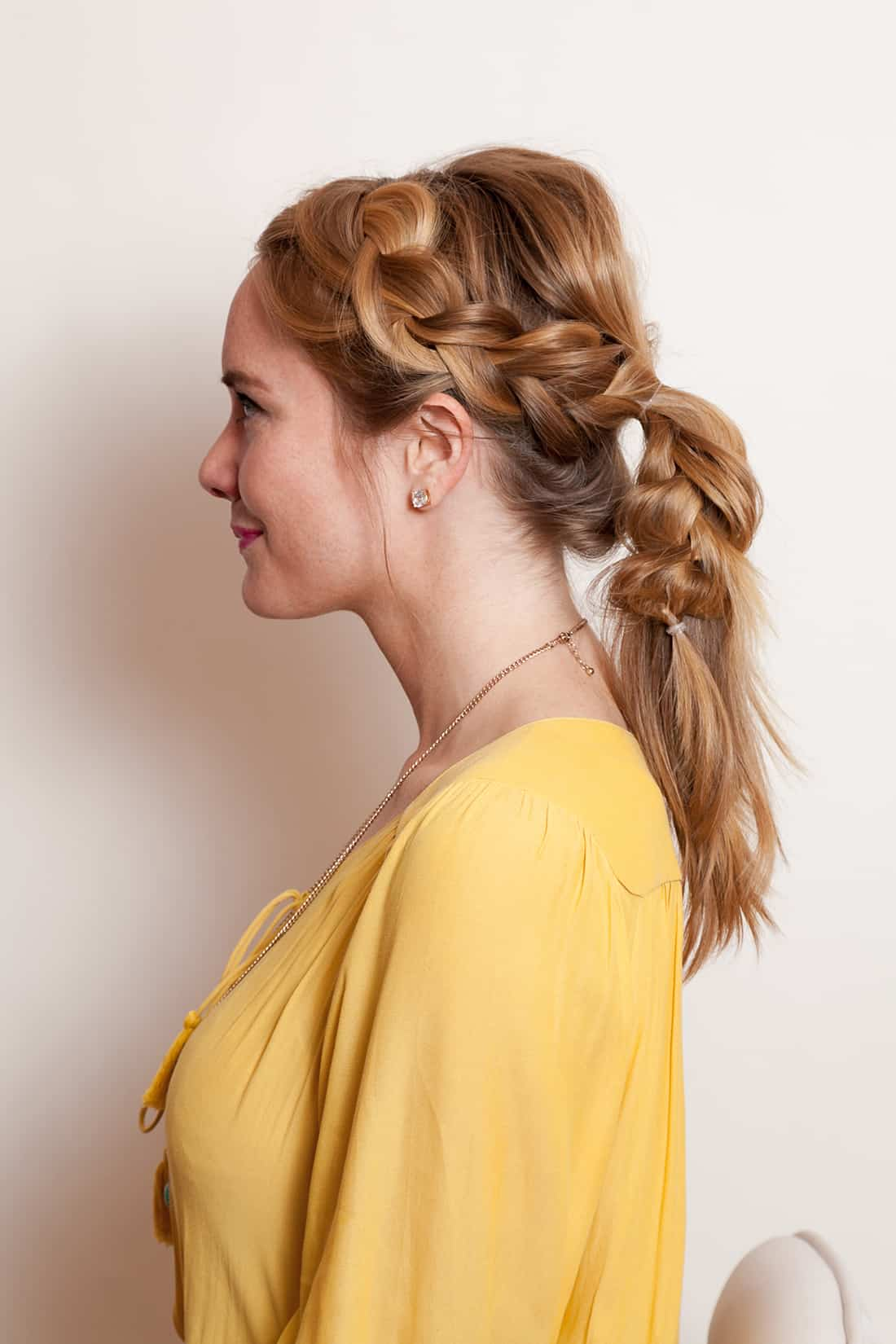 Braided pony in 5 minutes - 11 Braided Ponytail Tutorials Perfect for Fall
