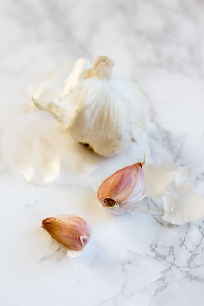 Natural Sore Throat Remedies - Raw Garlic