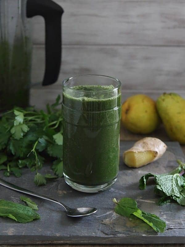 Detox Green Smoothie from Running to the Kitchen