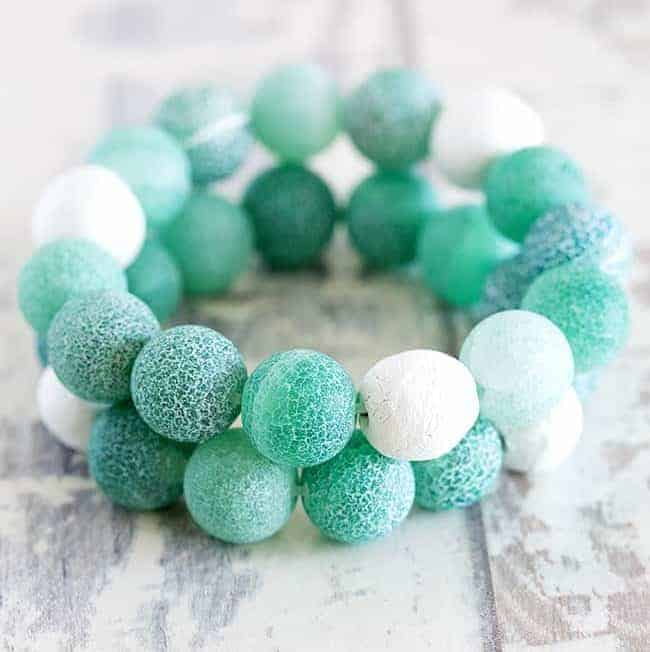 DIY diffuser bracelet by Stephanie Stanesby for Helloglow.co