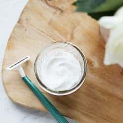 8 Natural Razor Burn Remedies That Really Work