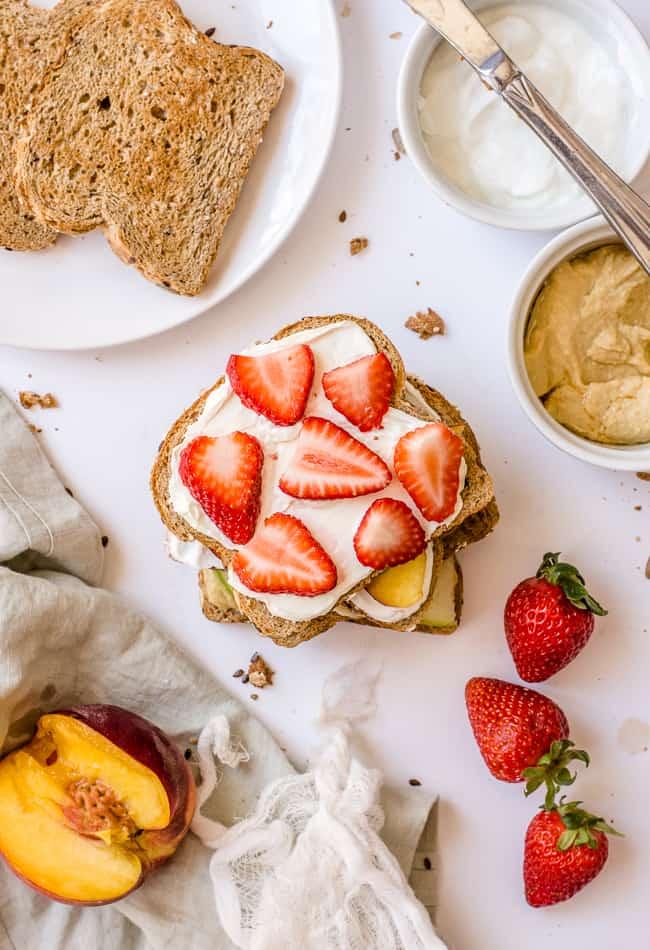 4 Metabolism-Boosting Fruit Toast Combos