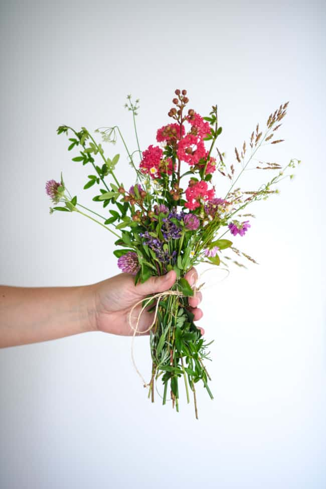 How to Make a Backyard Flower Bouquet