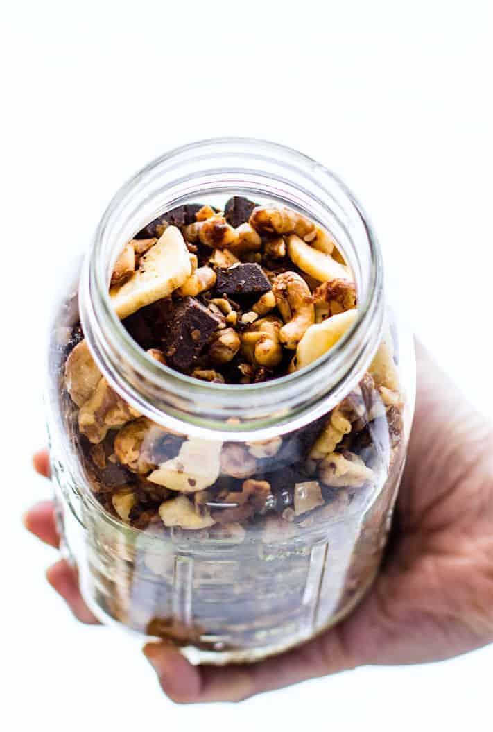 Crock Pot Chunky Monkey Paleo Trail Mix - Lindsay from Cotter Crunch