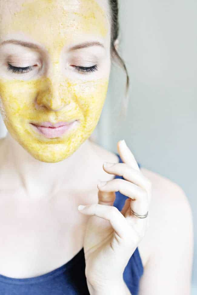 Turmeric and honey face mask recipe