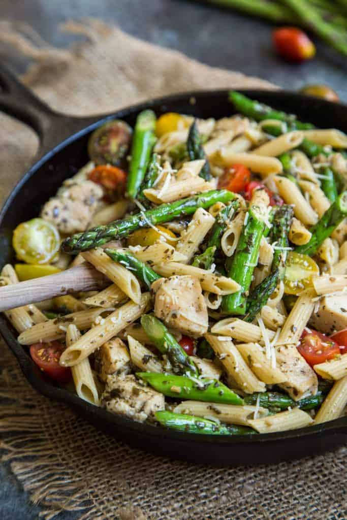 Pesto Chicken Pasta Skillet with Asparagus and Tomatoes from Country Cleaver