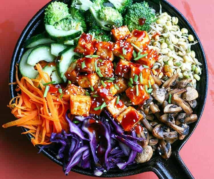 Vegetarian Cast Iron Skillet Bibimbap from Maikin Mokomin