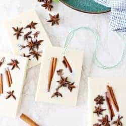 These DIY Wax Sachets Will Make Your Home Smell Like the Holidays