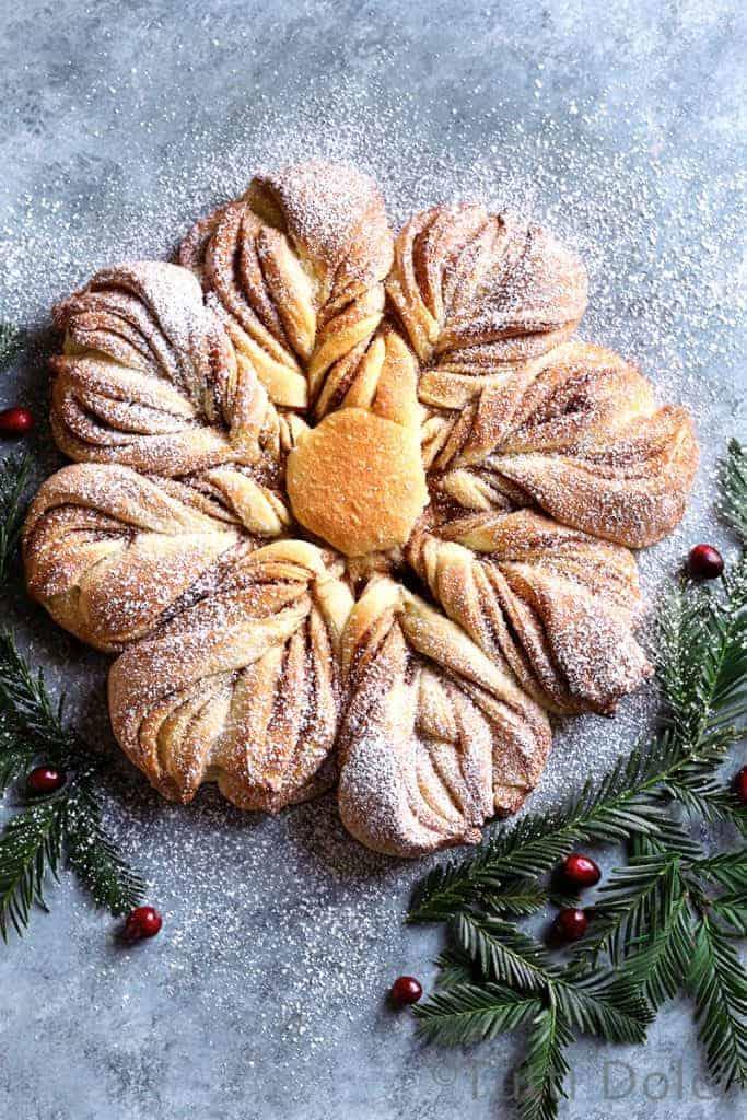 Cinnamon Sugar Star Bread from Tutti Dolci