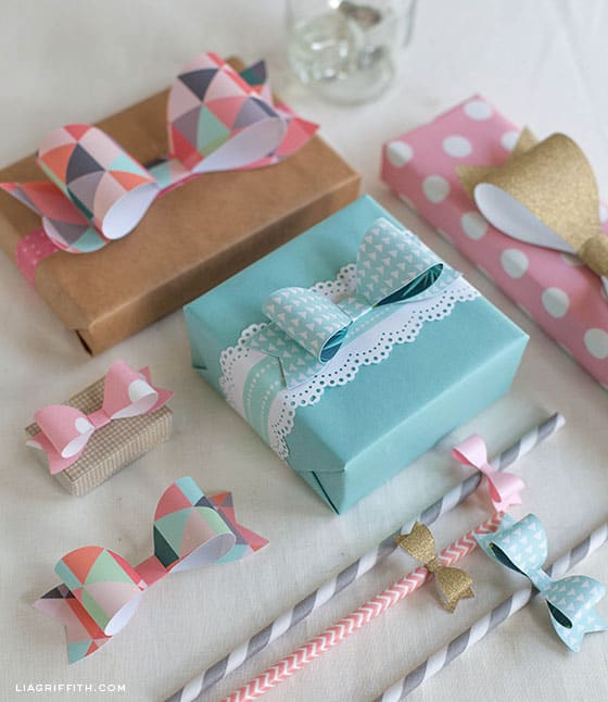 25 Gorgeous DIY Gift Bows (that look professional!) - Paper Bow Template