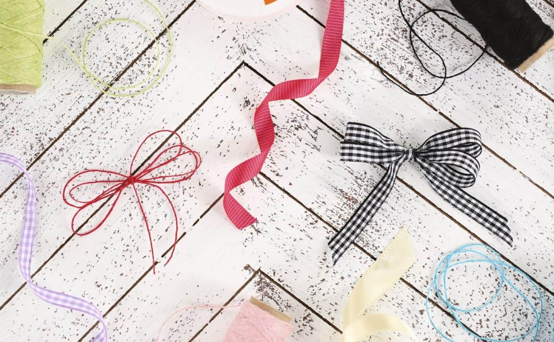 25 Gorgeous DIY Gift Bows (that look professional!) - How to Tie a Double Bow