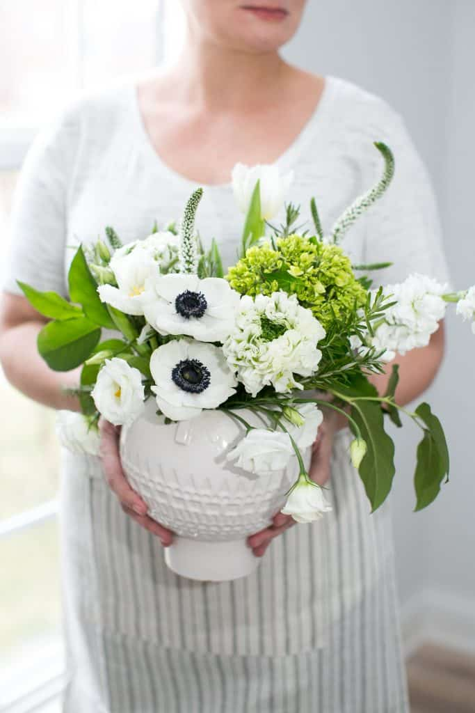 How to Make a Stunning Modern Flower Arrangement