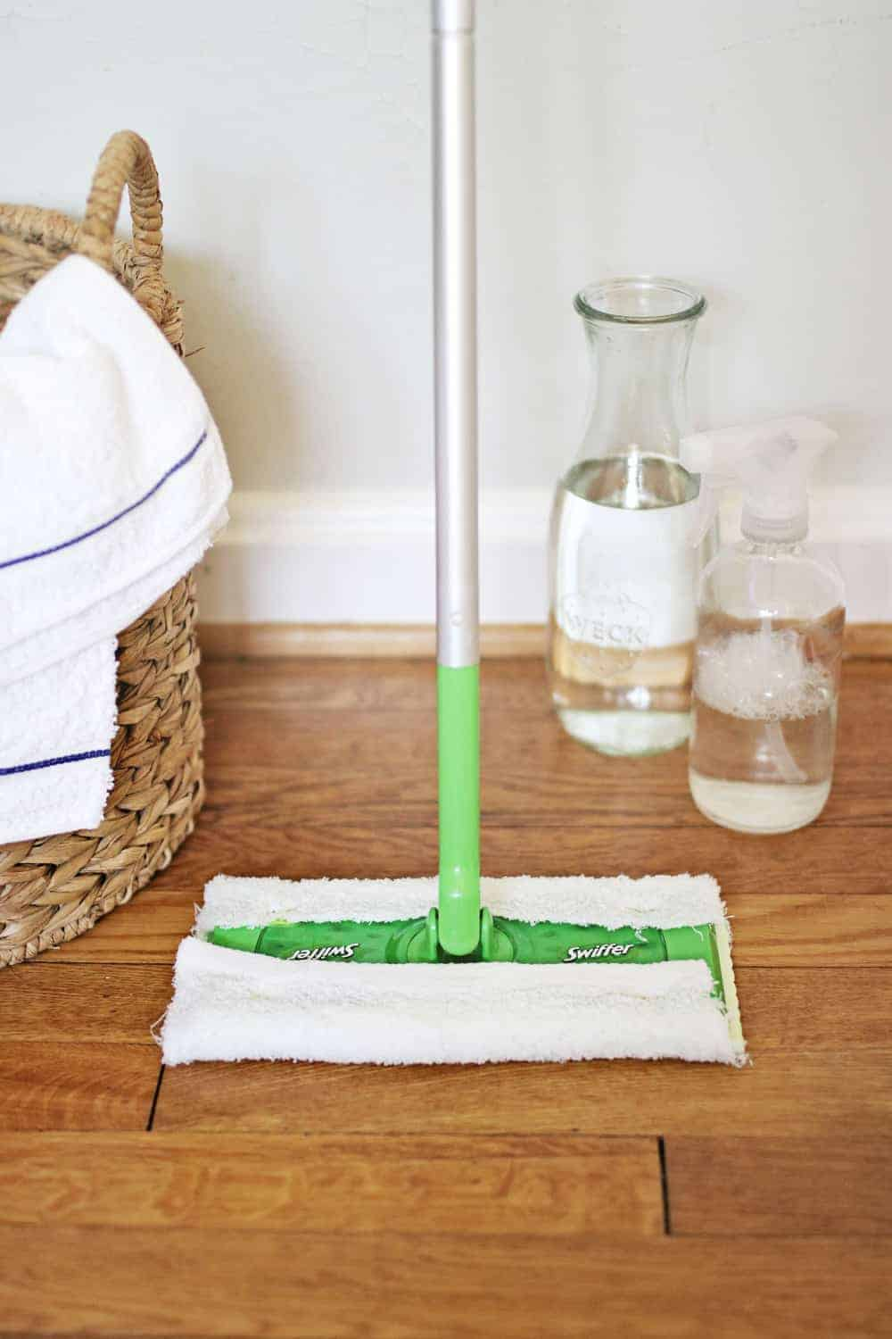 How to Make Your Own Swiffer Pads and Solution