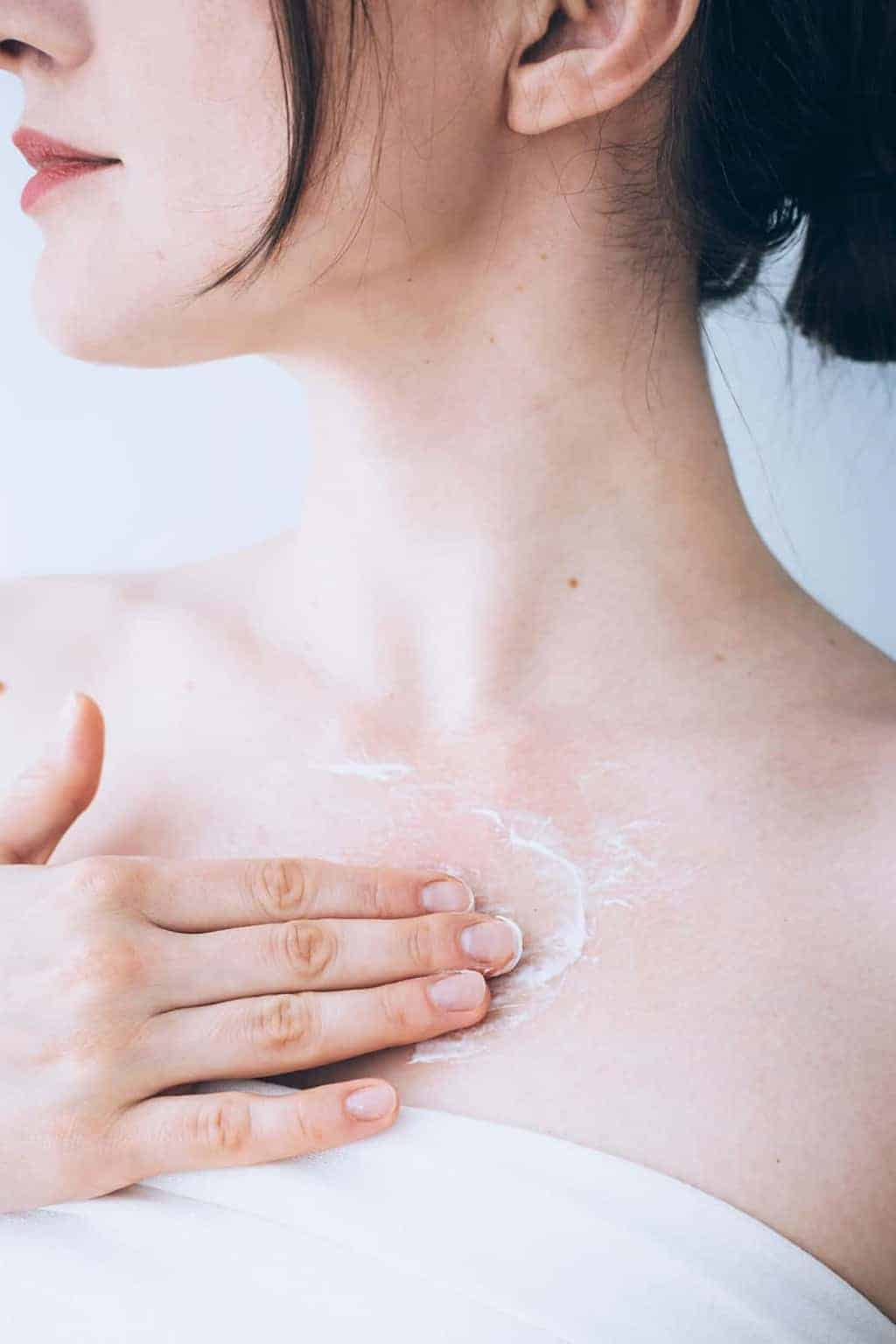 An Esthetician Shares the Secret to a Firmer Jawline + Neck