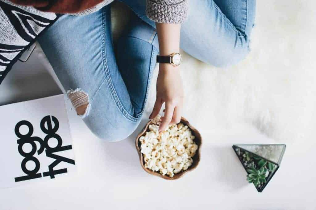 A Nutritionist Explains: How to Take Control of Late Night Snacking