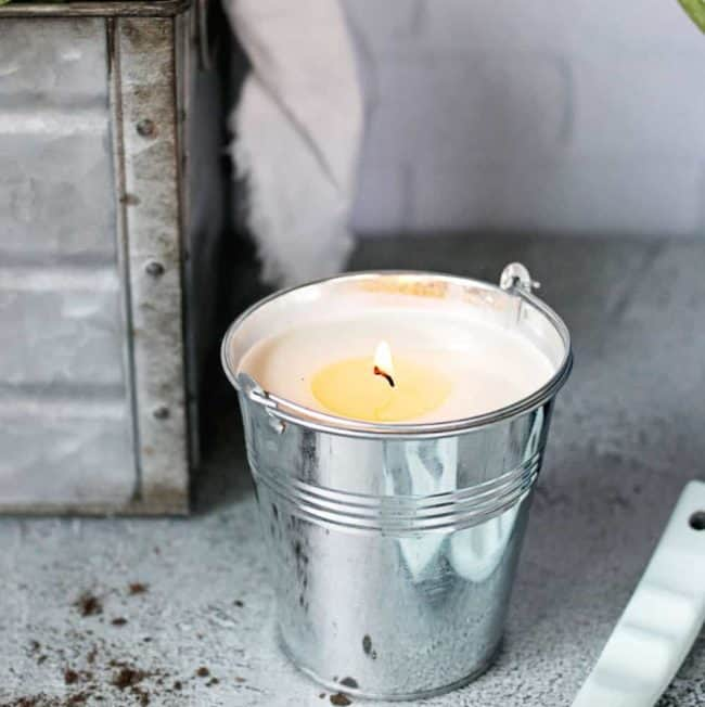 You Need These DIY Bug-Repelling Candles On Your Patio