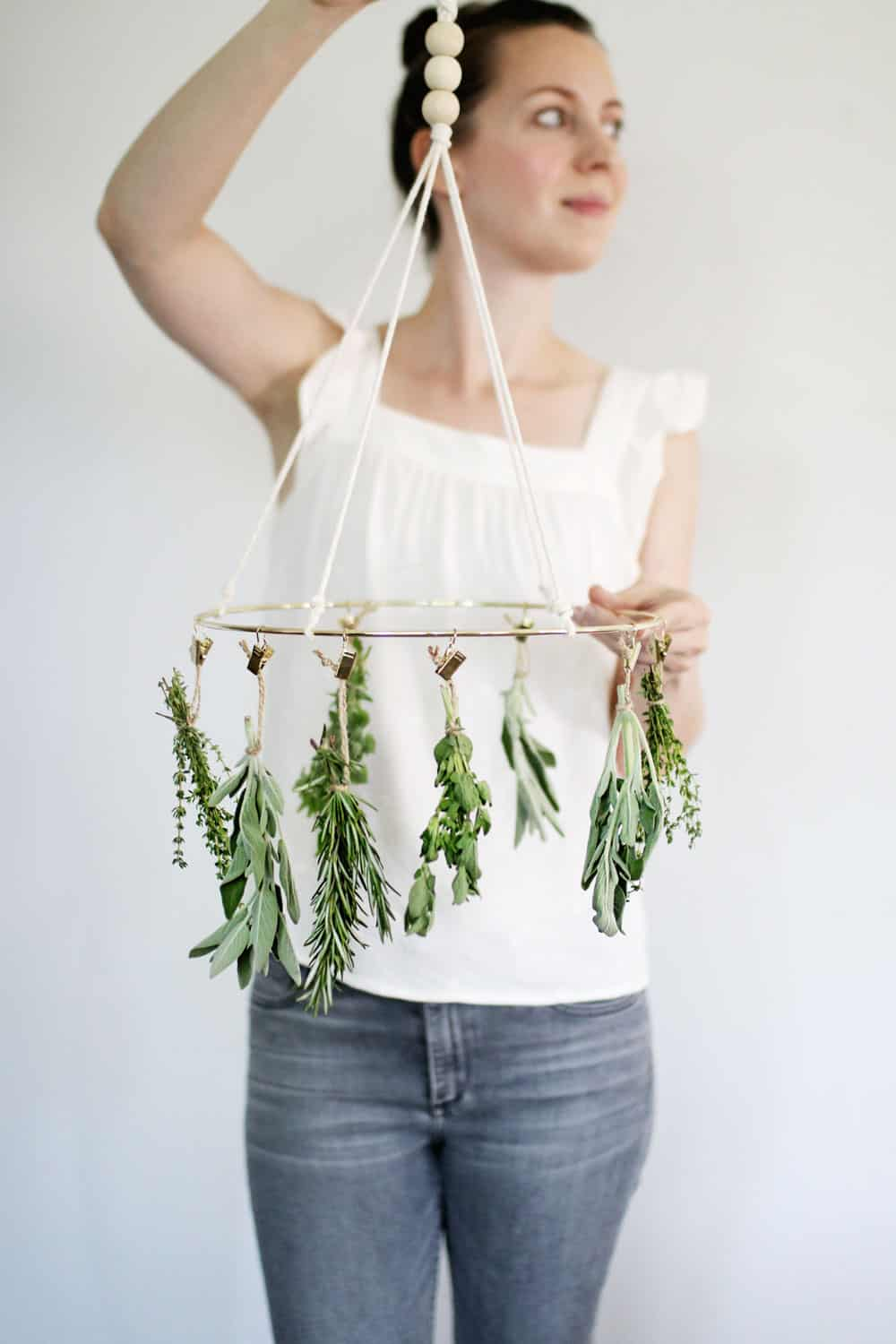 How to make a simple herb drying rack
