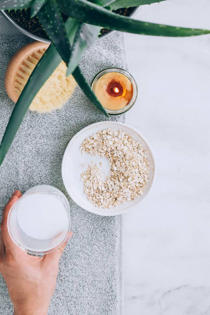 Coconut Milk + Oatmeal Bath Soak | 8 Oatmeal Bath Recipes