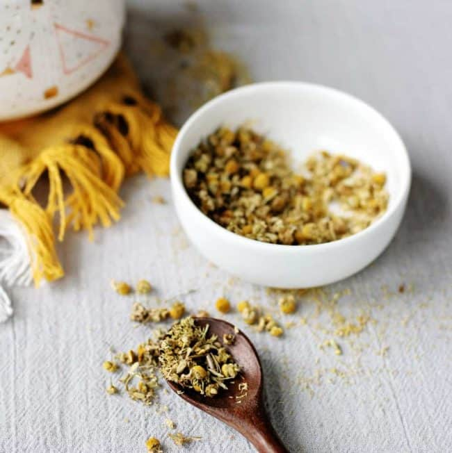 7 of Our Favorite Ways to Use Chamomile for Natural Healing