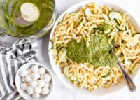 Pistachio Pesto Pasta with Zucchini and Fresh Mozzarella | HelloGlow.co