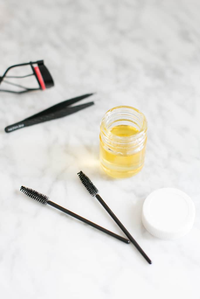 Get Gorgeous Brows With This DIY Castor Oil Eyebrow Serum