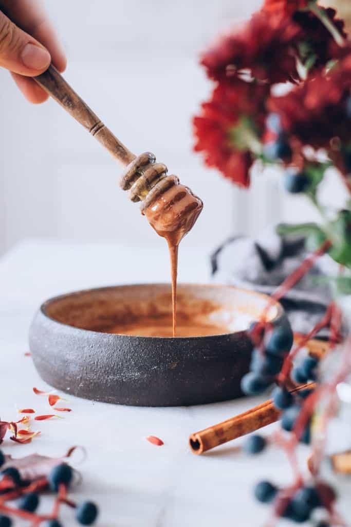 Anti-Inflammatory Honey Cinnamon Face Mask