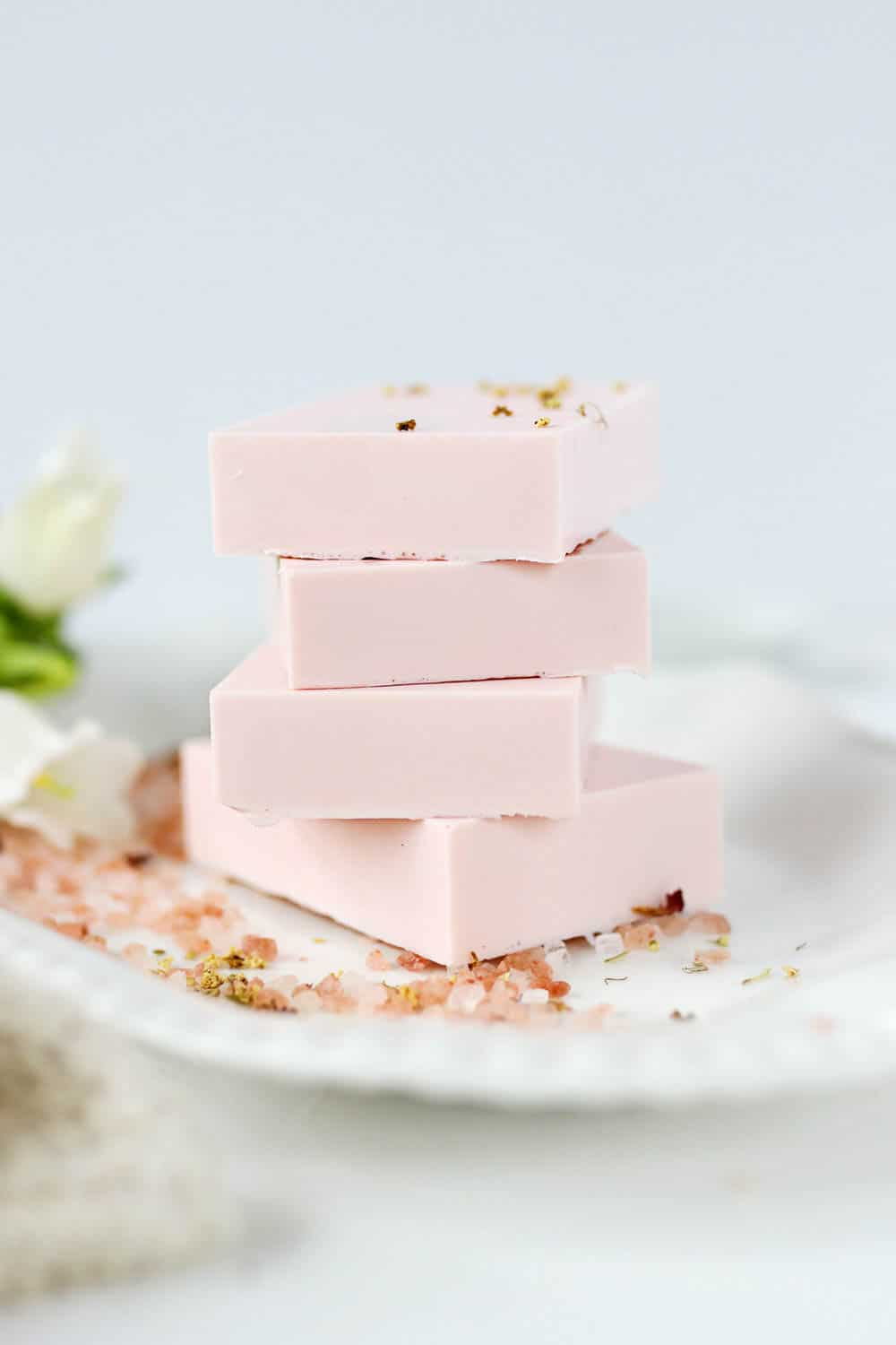 Healing Calamine Soap for Sensitive Skin (DIY Lush Fresh Farmacy!)