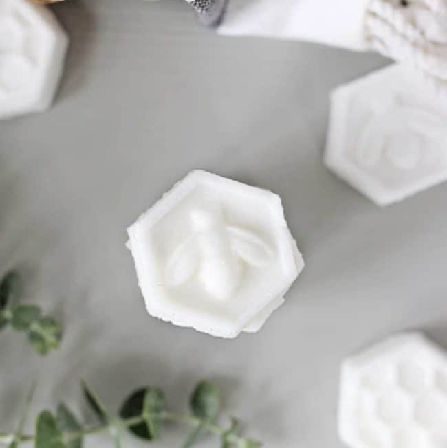 Clear Your Sinuses With These DIY Menthol Shower Steamers
