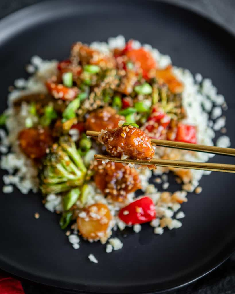 Sweet and Spicy Vegetarian Stir-Fry with Crispy Tenders | HelloGlow.co #vegan #plantbased #vegetarian
