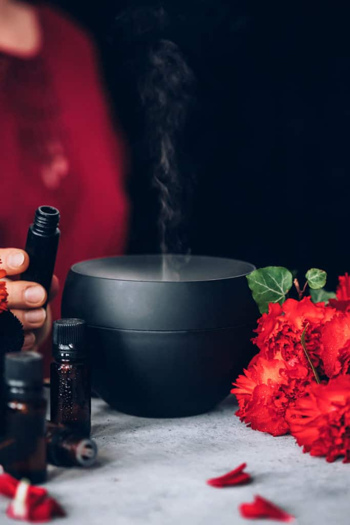 10 Aphrodisiac Essential Oils for Love and Romance