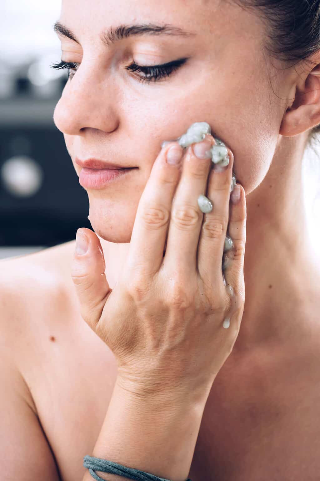 The Best Skin Care Routine in Your 20s, According to Dermatologists