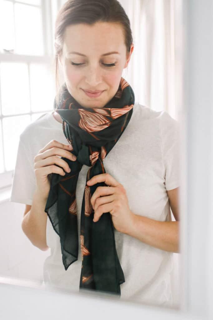 19 Ways to Tie a Scarf