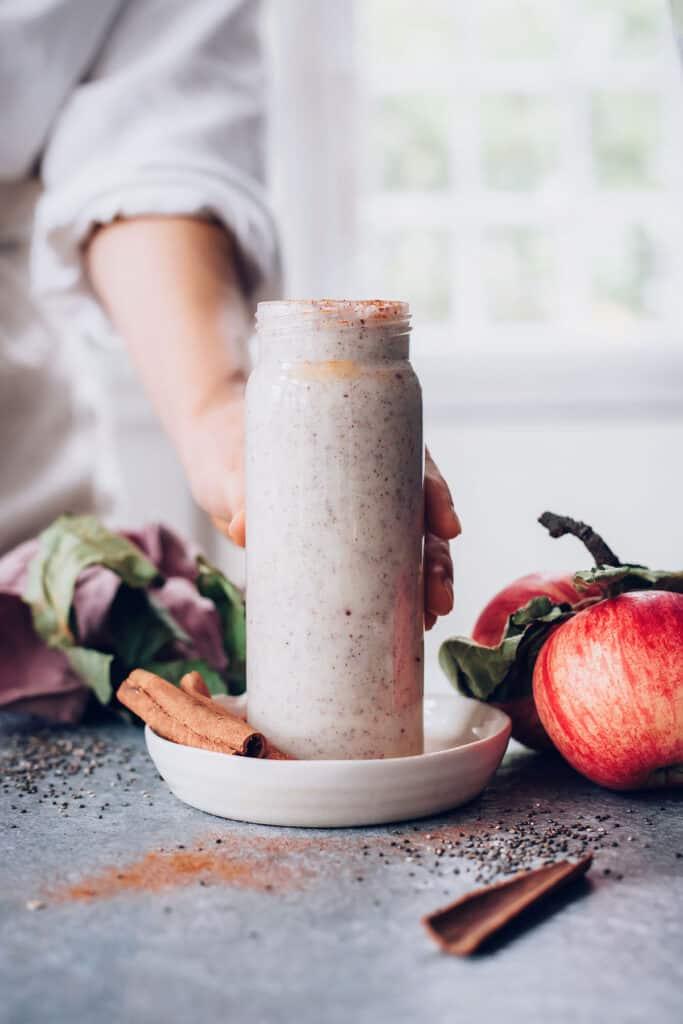 Apple Pie Chia Smoothie | 3 Fall Smoothie Recipes
