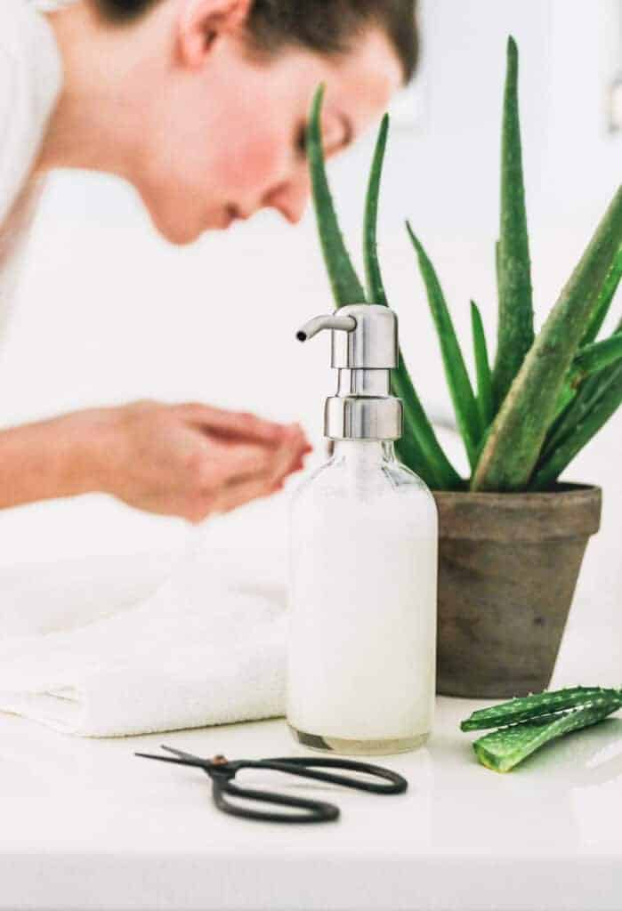 How to make an aloe vera face cleanser