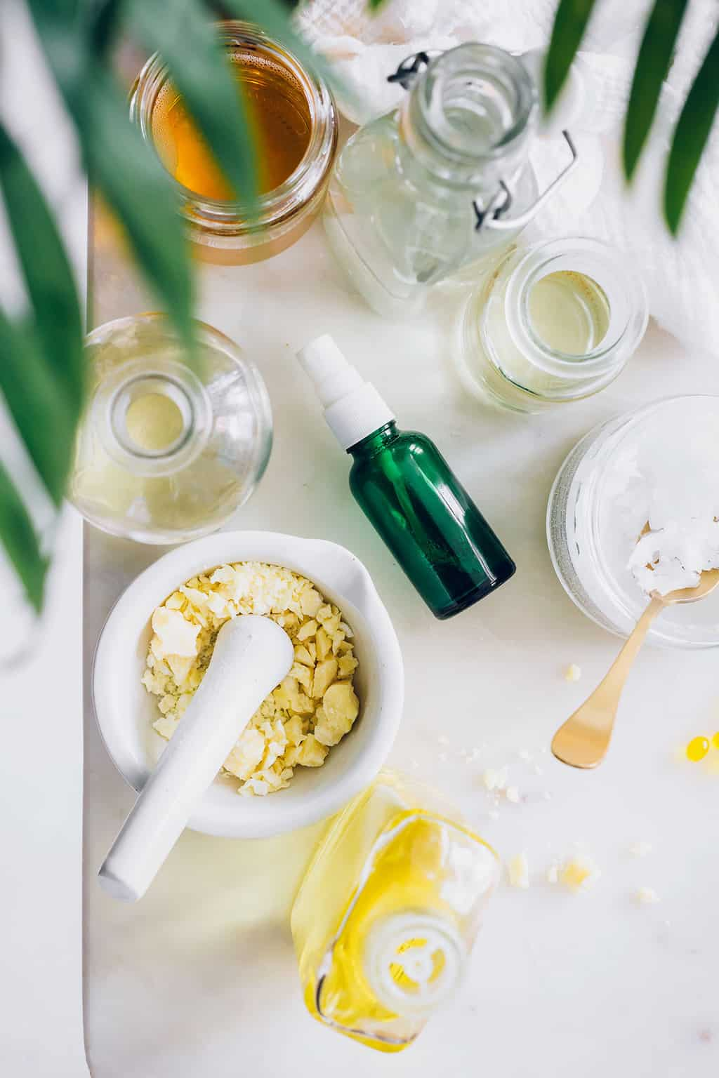 10 Natural Moisturizers for Your Face You Can Find in the Kitchen
