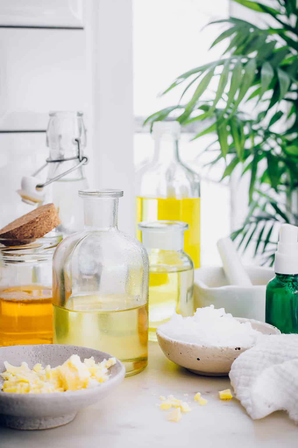 10 Natural Moisturizers For Your Face