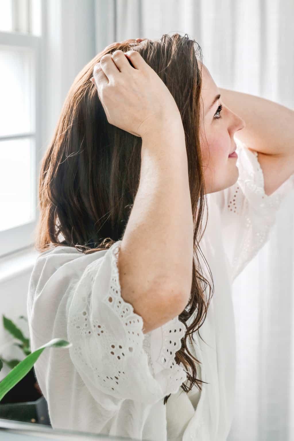 Detox Your Hair With This Apple Cider Vinegar Scalp Scrub