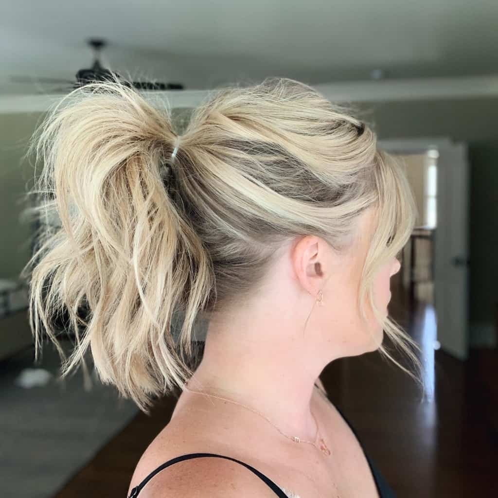 High Pony Tutorial from The Small Things Blog | 10 Go-To Easy Summer Hairstyles on HelloGlow.co