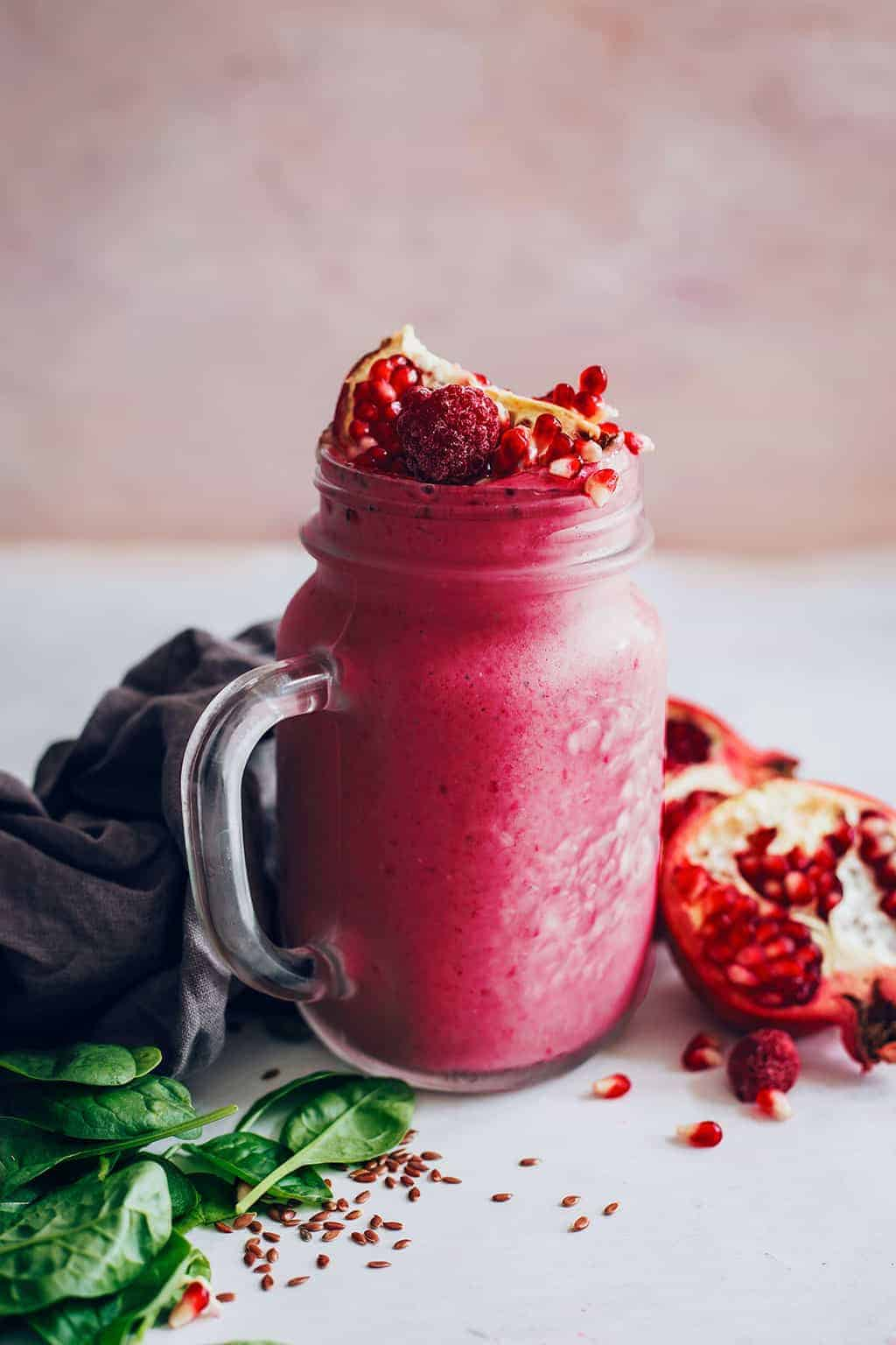 Antioxidant Rich Pomegranate Smoothie Recipe - HelloGlow.co