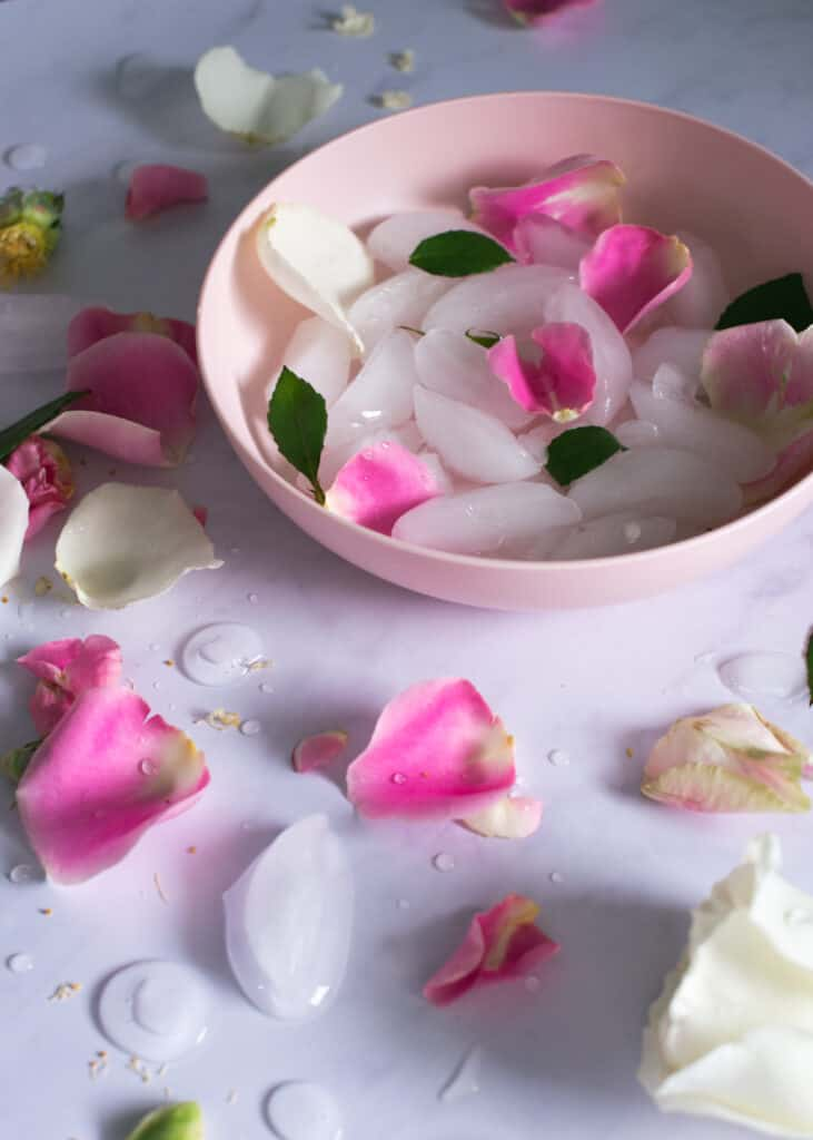 10 Beauty Uses for Ice Cubes That Totally Work!