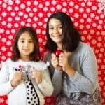 How to make a holiday photobooth
